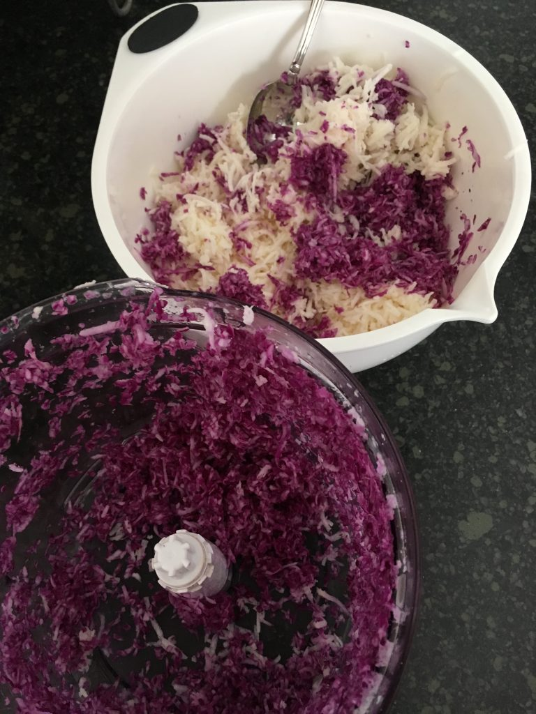 Jicama and cabbage slaw--recipes on www.eatrightmama.com.http://bit.ly/2hT6tiG
