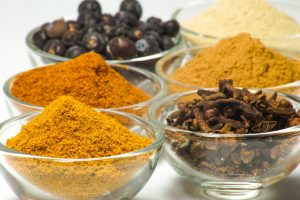 Curry contains the spice curcumin, which has strong anti-inflammatory properties and may help cognition. Read more here: bit.ly/2EYMMfW