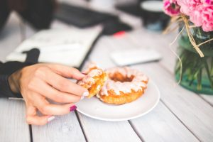 Cut saturated fat and sugar to help brain power. Read more here: bit.ly/2EYMMfW