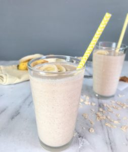 Enjoy this #peanutbutter #banana #oatmeal smoothie for #breakfast or snack.
