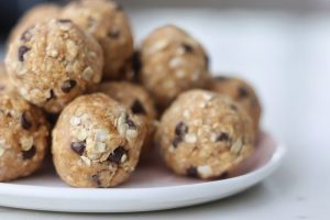 pumpkin #peanutbutter chocolate chip energy balls #recipe