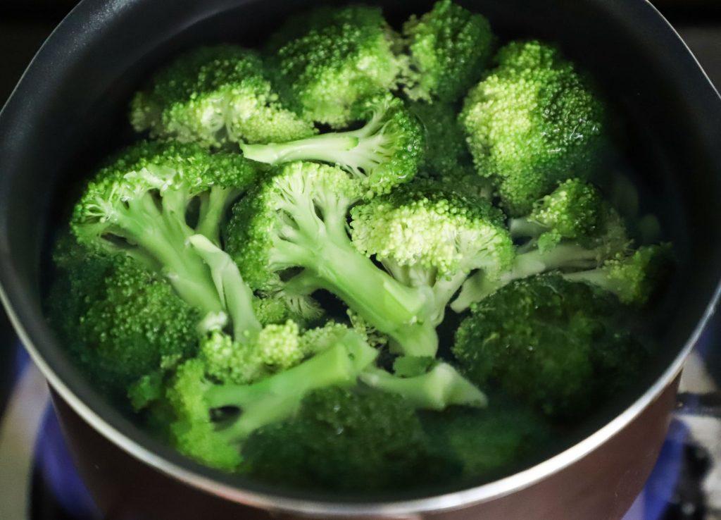 bowl of sliced broccoli
